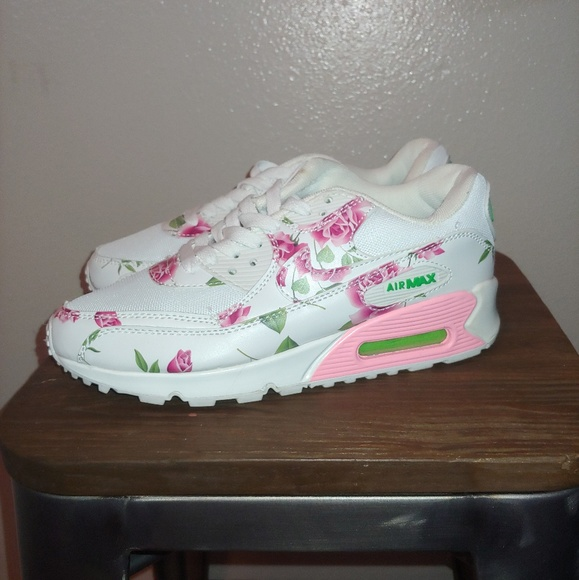 outlet store d800d 687aa Nike Air Max 90 Floral Roses Pink Rare White 6.5.  M 5cb38e3dde696a7dd22116ff. Other Shoes ...